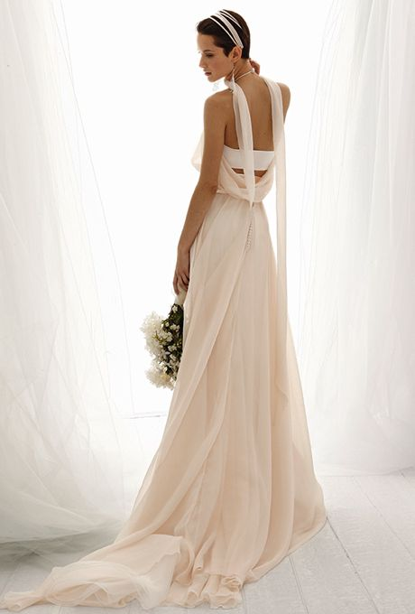 Brides: Le Spose Di Giò. Long train, soft chiffon dress, with long train, and nude back.