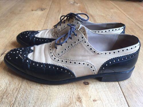 Magnifique-deux-tons-nude-et-noir-cuir-chaussures-par-chanel