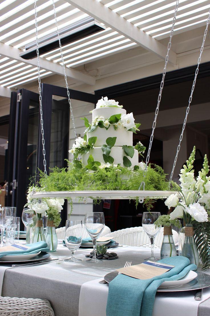 table hanging cake