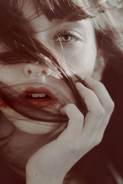 """""""Se nós esquecemos quem somos,  o outro nos fará ser qualquer coisa.""""  (Pe. Fabio de Melo)***"""