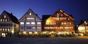 Hotel Säntis in Appenzell, 30 Zimmer, 6 Suiten, 4 Seminarräume (Raum Säntis 110 m2 ist schön), Seminarpauschale 240.-