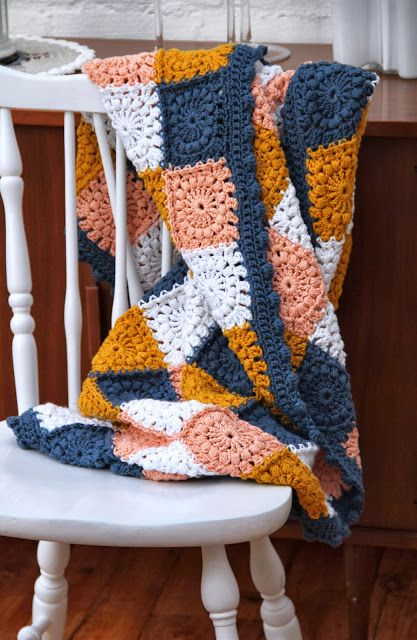 In love with these colours! | Crochet blanket by creJJtion with pattern