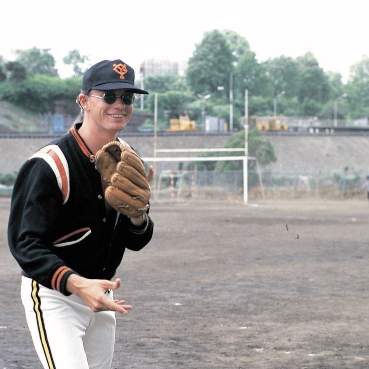 Jaco Pastorius wearing a baseball cap of Yomiuri Giants, Japan, 1982 (?). Photo: Peter Erskine