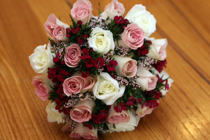 #Bridal #bouquet of white & #pink #Roses, with Sweet William & Thryptomine #weddings #Red Earth Flowers www.RedEarthFlowers.com.au