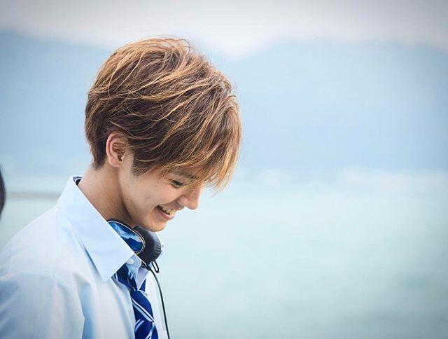 WEBSTA @ ryota_katayose__official - 明日のZIP!にて兄こま情報解禁‼️‼️是非ご注目ください✨✨@anikoma_movie #兄こま#兄に愛されすぎて困ってます#ZIP!