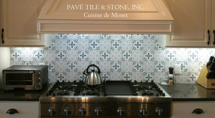 46 best blue white tiled kitchen images on pinterest for Traditional kitchen wall tiles