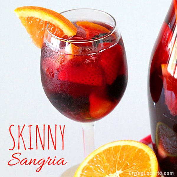 The perfect low calorie cocktail for a party! This skinny Sangria drink recipe is easy, delicious and refreshing.