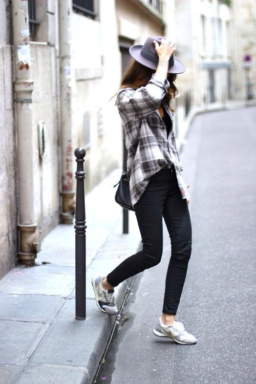 In a casual way.. Plaid shirt and a hat. #fashion #street style