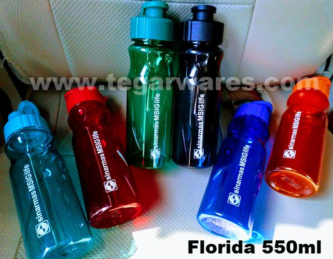Water bottle type Florida capacity 560ml BPA Free size: 22cm x 7cm x 7cm, available in seven colors: Black, blue, green, orange, purple, red & turqoise. With the flip lid is easy to open with just one hand, it is very easy to drink while you're driving the car, the ideal choice to be used as a souvenir of life insurance companies, automotive insurance. As shown picture above Florida order Asuransi Sinarmas MSIG, Jakarta Indonesia with tagline #SmileWithME.
