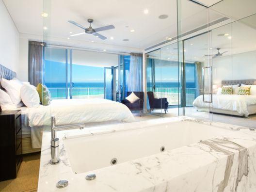 Gold Coast, Queensland, Australia • Beautiful Beachfront Apartment on Magnificent Kirra Surf Beach • VIEW THIS HOME  ►  https://www.homeexchange.com/en/listing/365297/