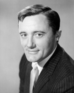 """Robert Vaughn (1932-2016), American Actor noted for his Stage, Film, & Television Work, notably  """" The Man From U.N.C.L.E."""" TV Series ...."""