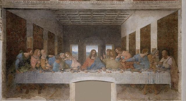 Леонардо да Винчи «Тайная вечеря» 1495–1498  Находится в монастыре Санта-Мария делле Грацие в Милане.   За более 500-летнюю историю существования произведения фреска не раз подвергалась разрушениям: через роспись был проделан, а затем заложен дверной проем, трапезную монастыря, где находится изображение, использовали как оружейный склад, тюрьму, подвергали бомбежке. Знаменитую фреску реставрировали не менее пяти раз, причем последняя реставрация заняла 21 год.