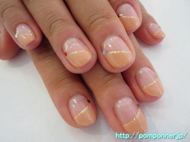 シンプルな斜めフレンチネイル diagonal french nail simple