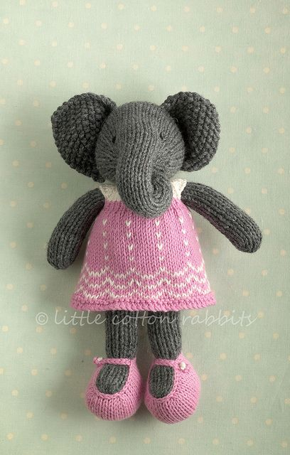 Adorable knitted toys!  little Cotton Rabbits