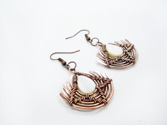 Wire wrapped handmade copper wire earrings. Handmade earrings with unique design, beautiful earrings are made of copper wire and mother of