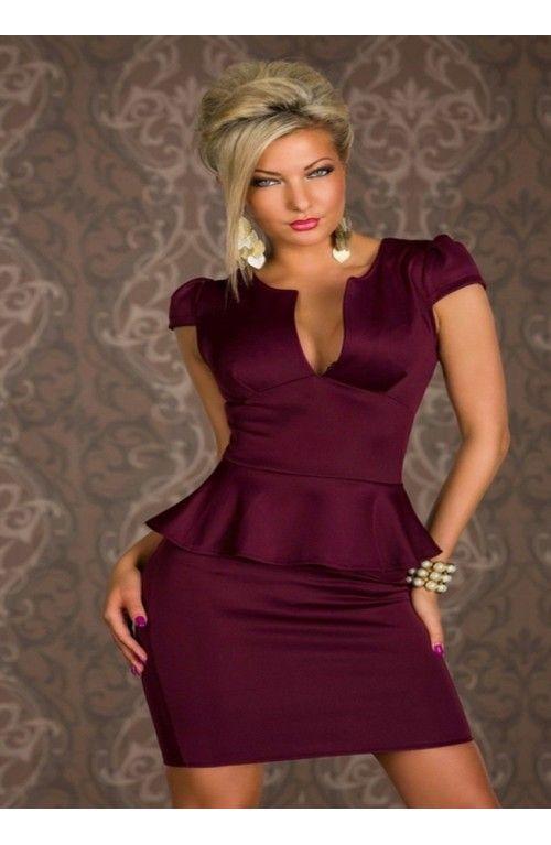 Vestido Morado  con volante, elegante y actual.Talla Unica hasta la M. Elegante Vestido de fiesta