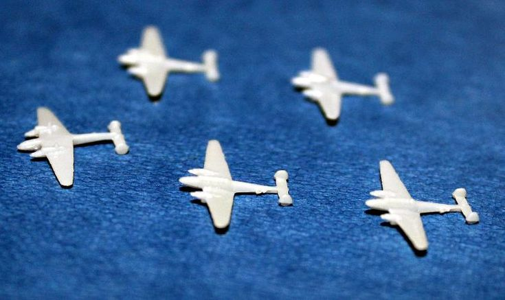 Flugzeuge im Maßstab 1:1250 ( 5 Stück ) Flugzeugtyp ME 110