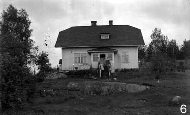 """""""White house"""" valkoinen talo in Finnish was part of soapstone history. It used to be the house of the factory director."""
