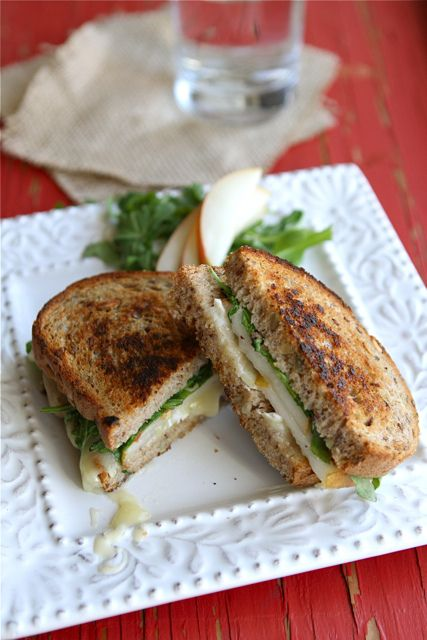 Grilled Cheese Sandwich with Brie, Pear & Hazelnuts. #food #sandwiches #lunch #recipes