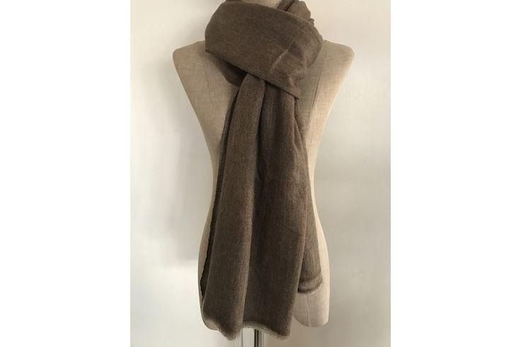 Pashmina en laine cachemire de couleur gris chinétendance.