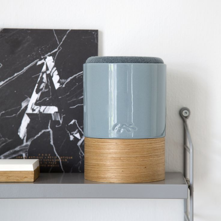 Use Fugato to turn your favourite music into an evocative design experience that complements your personal interior design – whether you use it in your kitchen, bedroom or living room.
