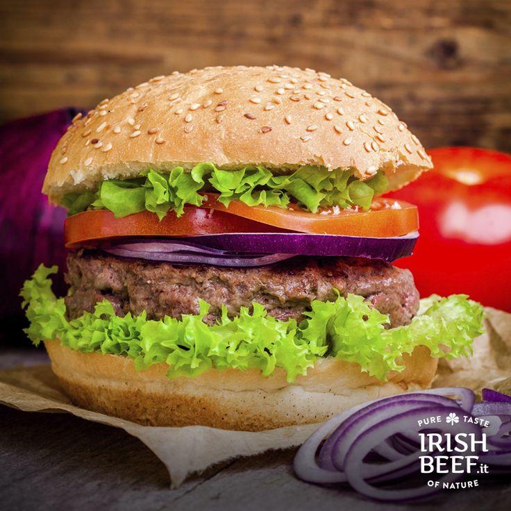 Speciale #SanPatrizio: Ieri sera hai contato i boccali di birra al posto delle pecorelle? Un bell'hamburger è ciò che ti ci vuole per riprenderti! ;) #TheDayAfterStPatricksDay #StPatricksDay #irish #beef