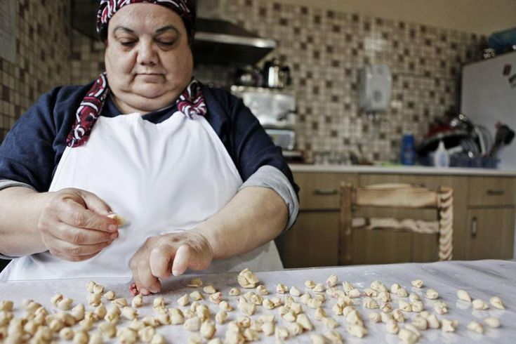 $50 will train 3 low income women on basic financial literacy - Support 200 Women Start Small Businesses in Turkey