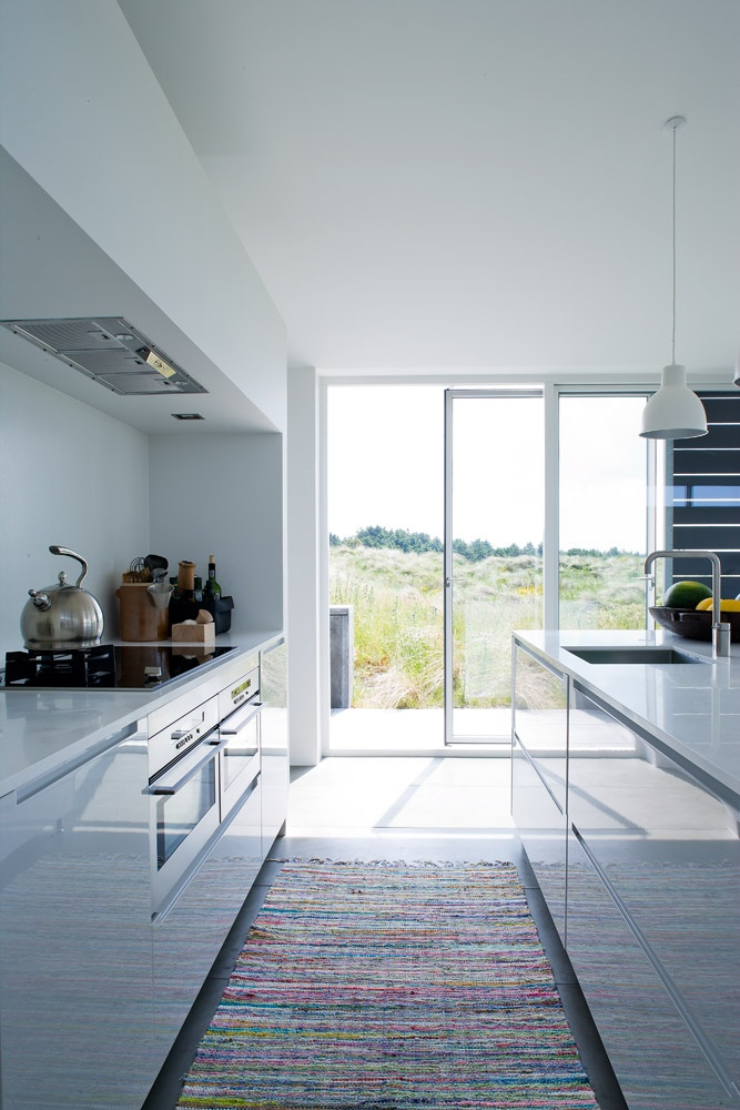All-white, modern #kitchen - love! <3