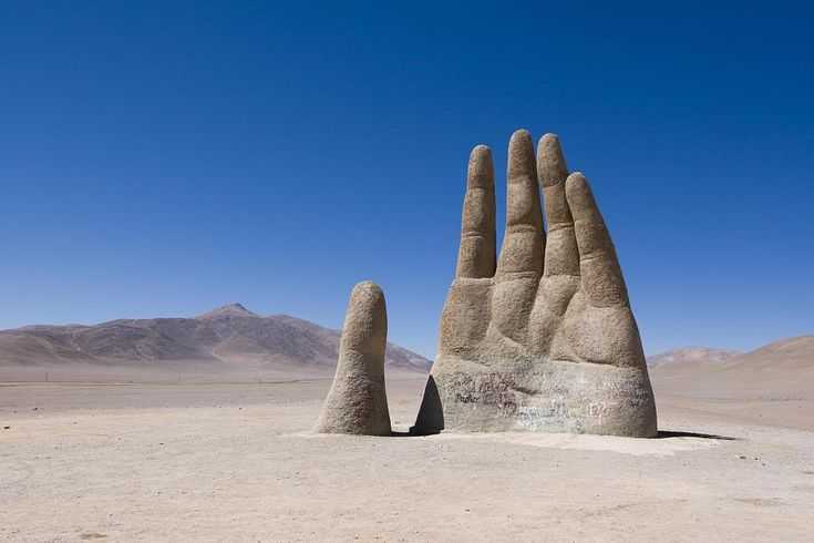 No trip through the Atacama is complete without a stop at El Mano del Desierto (hand of the desert) Located off of Ruta 5 it is a pretty stunning sculpture