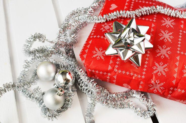 wpid-gift-present-christmas-xmas.jpg