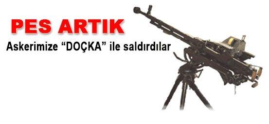 PKK Çözüm Sürecinde Yüksekovaya Doçka (Uçaksavar) Sokmuş  Komünist Terör ile Uzlaşma Olmaz PKK silah bırakmaz uyarılarımızı destekleyecek bir bilgi daha ortaya çıktı.  Açılım politikalarını fırsata dönüştürüp şehirlere mühimmat yığan yollara mayınlar döşeyen ve bugün bunları bir bir kullanan PKKnın uçaksavarları da olduğu ve bunları Türkiyeye soktuğu anlaşıldı.  Güvenlik güçleri terörle mücadelede önceliği Yüksekovaya verdi. Bazı köşe yazılarında terör örgütü PKKnın ele başlarından Murat…