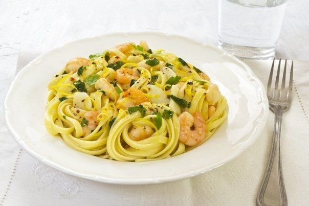 Паста с чесноком и креветками » Кулинарные рецепты