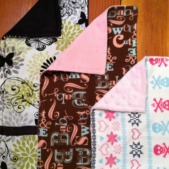 Homemade burp cloths - looks about as easy as it gets!