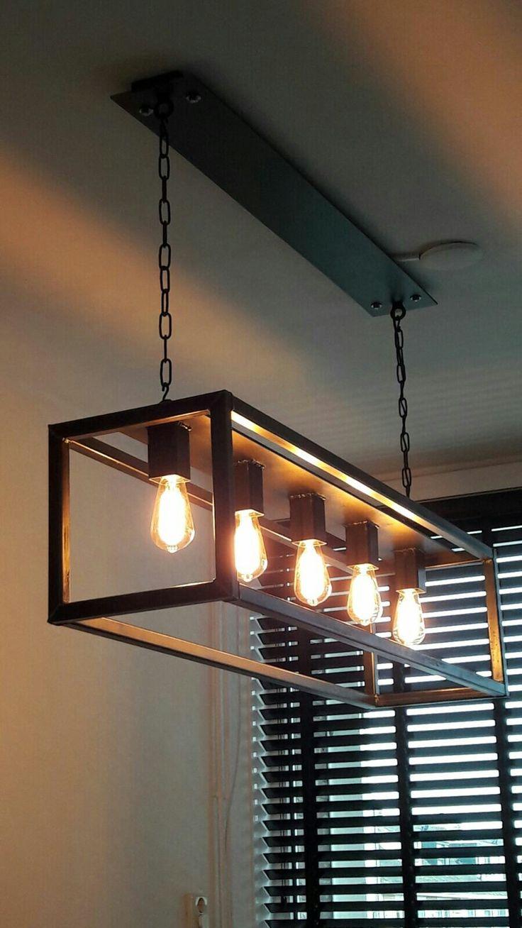Lamp van staal