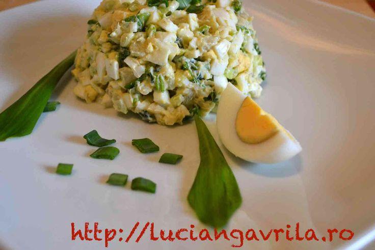 Eggs salad with wild garlic Salată de ouă cu leurdă