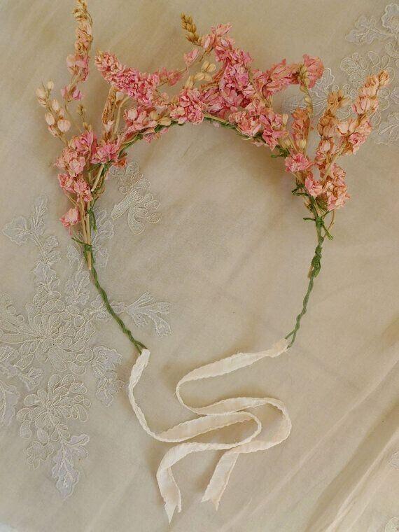 beautiful handmade flower, definitely want it!