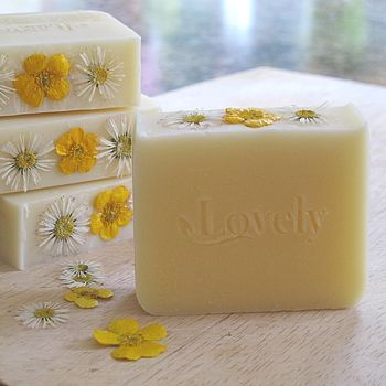 Grapefruit & Lemongrass Handmade Natural Soap try to find bath flowers to put on top