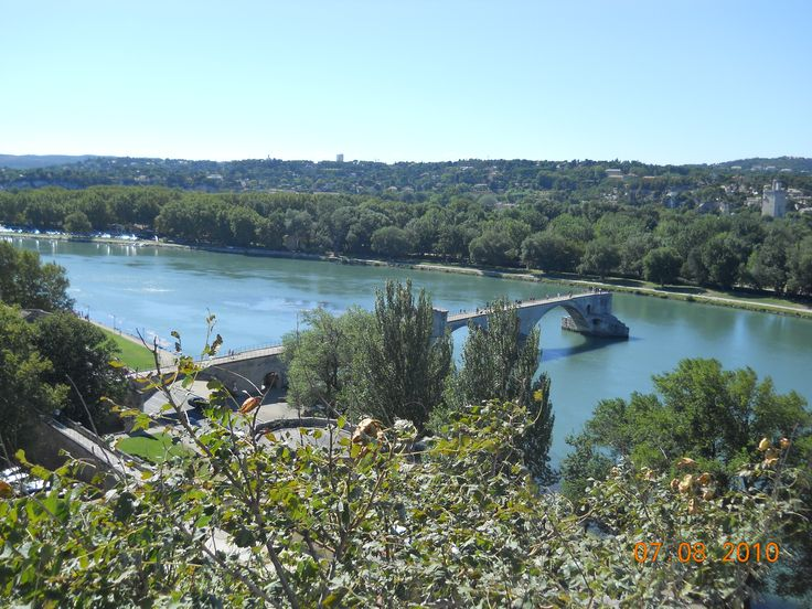a bridge in Avinion Pont Saint built in 1071