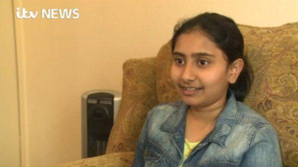 В Британии 12-летняя индийская девочка сдала IQ-тест лучше Хокинга и Эйнштейна http://actualnews.org/exclusive/169036-v-britanii-12-letnyaya-indiyskaya-devochka-sdala-iq-test-luchshe-hokinga-i-eynshteyna.html  В Великобритании 12-летняя девочка индийского происхождения при прохождении IQ -теста набрала больше баллов, чем Стивен Хокинг и Альберт Эйнштейн.  Она также набрала наибольший возможный коэффициент интеллекта для тех, кто моложе 18 лет, передает The Independent.