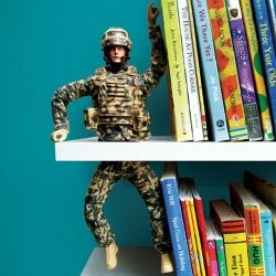 Isn't this the most awesome bookend Ever!!!  Just start thinking of ALLLLL the flipping items you can do this to..and then try to tell me it's not an Freakin AWESOME Idea!!!!