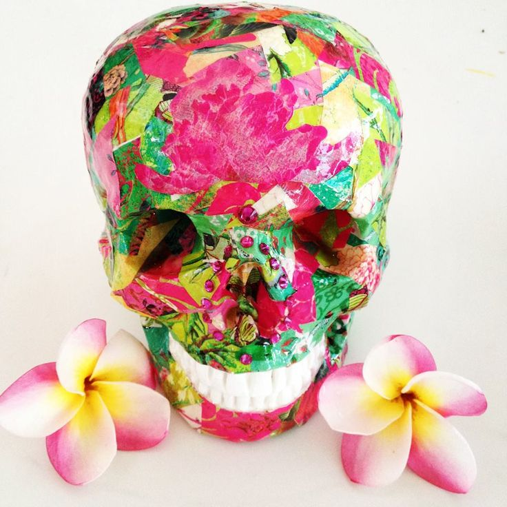 Pretty Pink Skullamour skull hand crafted in Port Douglas