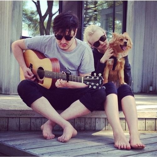 Marcus Mumford & Carey Mulligan (& friend), awwws