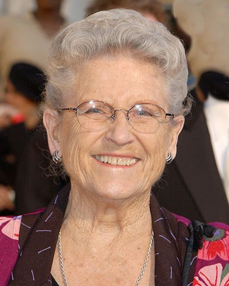 Ann B. Davis Dies: Brady Bunch's Alice Dead at 88 - Us Weekly