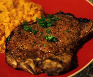 How to Cook a T-Bone Steak on the Stove   eHow.com