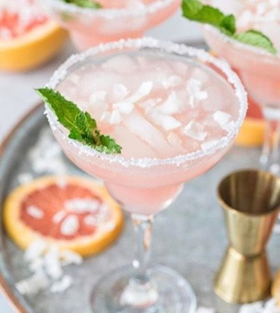 Celebrate Cinco de Mayo with a top-shelf tequila and a colorful night out! . . . #cincodemayo #celebrate #cheers #margarita #drinks #festive #partyplanning #luxury #goodlife #tgif #luxe #topshelf