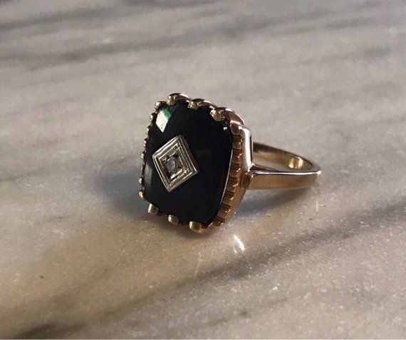 Wow Stunning Vintage Square Black Onyx Stone Set Into A 10 Karat Yellow Gold Mounting In The Center Black Onyx Jewelry Mens Gold Wedding Band Black Onyx Ring