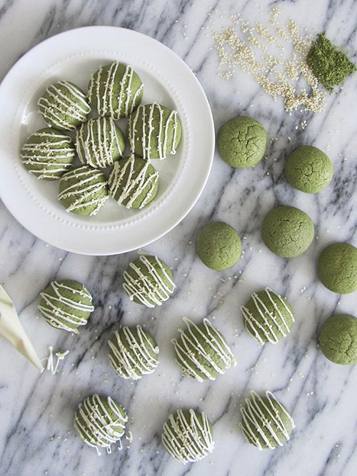 Matcha Green Tea Sugar Cookies. Not only does this look delicious, but the recipe looks pretty easy and straight forward.: