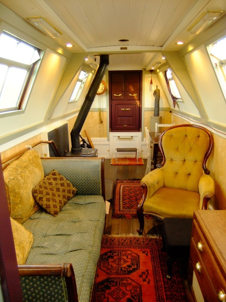 With nice old loose furniture. This is surely not a floating caravan. It is a home!