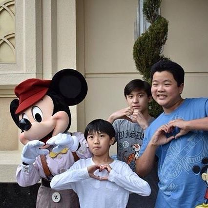 Hudson Yang, Forrest Wheeler and Ian Chen from the ABC show Fresh Off The Boat were seen in the parks today! Thanks @project.baymax for the photo! #Disney #Disneyland #DisneylandParks #CelebSighting #CelebSpotting #CelebritySpotting #CelebritySighting #HudsonYang #ForrestWheeler #IanChen feb 10, 2018