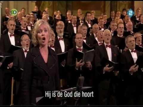 Nederland Zingt Er Is Een God Die Hoort - YouTube